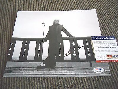 Willie Nelson B&W Promo Signed Autographed 8x10 Photo PSA Certified