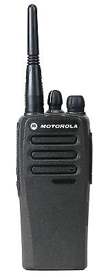 MOTOROLA DP1400 UHF 4 WATT WALKIE-TALKIE TWO WAY RADIO x 1 SECURITY PUBS & CLUBS