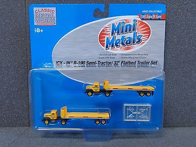 N ICX IH R-190 Tractor & 32' Flatbed Trailer Set - Classic Metal Works #51124