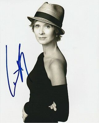 Cynthia Nixon Signed Autographed 8x10 Sex and the City Miranda Hobbes Photograph