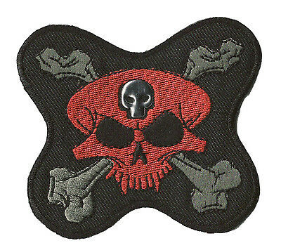 Patch écusson patche Skull Rouge thermocollant hotfix brodé