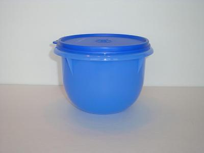 Tupperware Classic Mixing Serving & Storage Bowl 4 Cup Blue & Seal Lid New