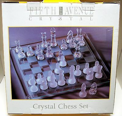 """xlf13 5TH AVENUE CRYSTAL GLASS CHESS SET, CLEAR & FROSTED PIECES 14"""" X 14"""" BOARD"""
