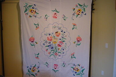 Americas Antiques  Antique Quilt Top Center Floral Bouquet Quilt Topper 1940S