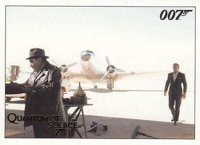 James Bond Archives 2015 Edition Quantum Of Solace Gold Parallel Base Card 056