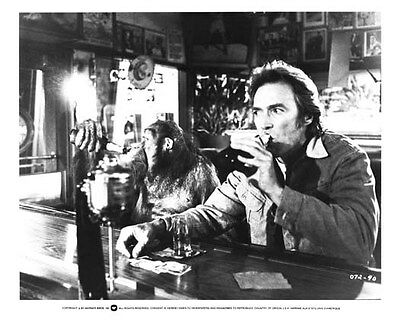 EVERY WHICH WAY BUT LOOSE still CLINT EASTWOOD & CLYDE drink beer - (a679)
