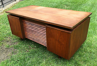 RARE MCM 1950s Louvered Front FLOATING Desk Wooden AFL CIO Office Walnut Swanky