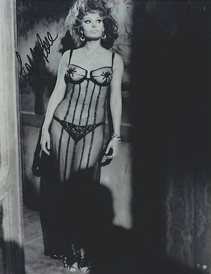 Sofia Loren Signed 8X10 Movie Photo Reprint *see Thru Sexy Negligee* Autographed