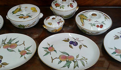 Royal Worcester Evesham Dinner Service + Boxed Butter Knife Tureens Steak Plates