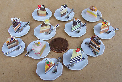 1:12 Scale Slice Of Cake /& Fork Loose On A Ceramic Plate Dolls House Tumdee SCs1