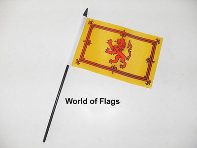 "LION RAMPANT SMALL HAND WAVING FLAG 6"" x 4"" Scotland Scottish Crafts Display"