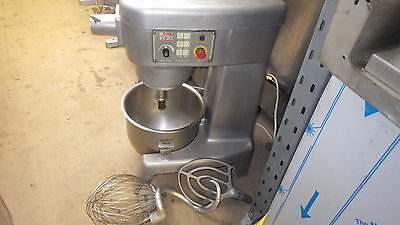 Crypto EM20 dough mixer 240v with bowl and 3 tools fully working order
