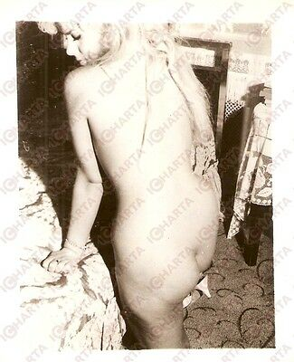 1950 ca USA - EROTICA VINTAGE Sexy striptease in the bedroom *PHOTO