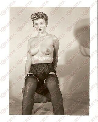 1950 ca USA - EROTICA VINTAGE Sexy naked woman sitting on a stool *PHOTO