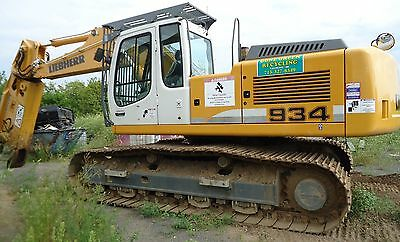 Liebherr 934 with LaBounty 2500R scrap, demolition, metal cutting  shear