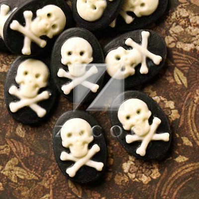 10pcs Oval Black and WhiteSkull and Bone Resin Cameos 18x13mm Pirate RB0713