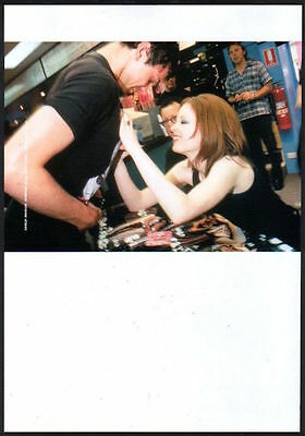 1997 Garbage Shirley signing fan's chest JAPAN mag photo pinup / clipping g09r