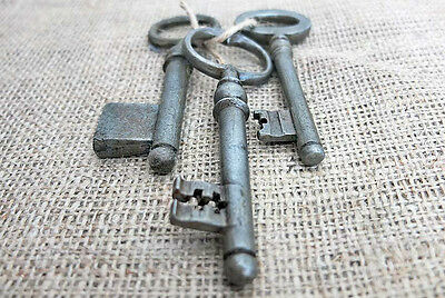 Imperial RUSSIA 3 Antique VINTAGE Iron Large Size KEYS XIX Century Set No.5