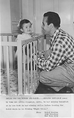 RICARDO MONTALBAN And Daughter original 1950's MGM publicity still with caption