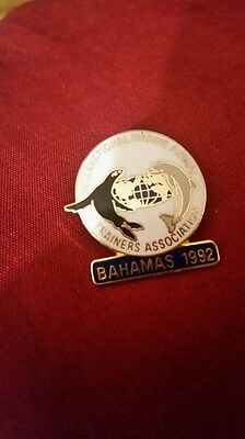 1992 International Marine Animal Trainers Association Pin