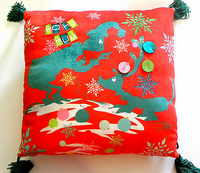 universal studios park florida grinch who stole christmas max throw pillow red