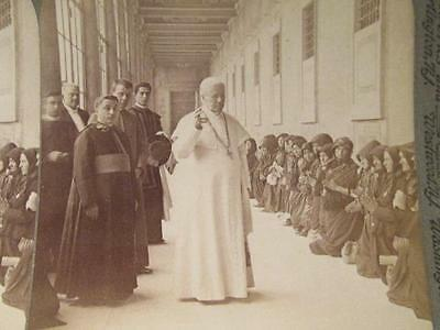 Holy Father Blessing Humble Pilgrims 1908 Antique Underwood Stereoview #347