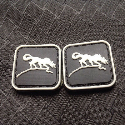 2 Pcs Mini Solid Wolf Badge 3D Tactical Army Morale Pvc Rubber Patch Hook