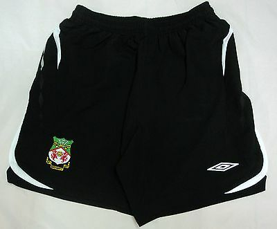 Wrexham Boys Change Keepers Shorts By Umbro Size Medium Boys Brand New