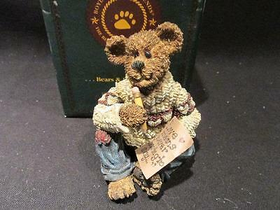 Oliver Wendell Love Letters 2000 Boyds Bearstone Figure 7E/5599 with Box #22770