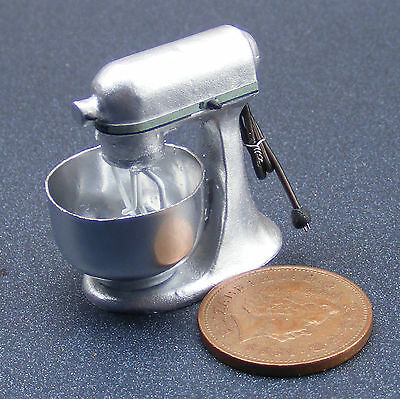 1:12 Scale Non Working Silver Food Mixer Dolls House Miniature Kitchen Accessory