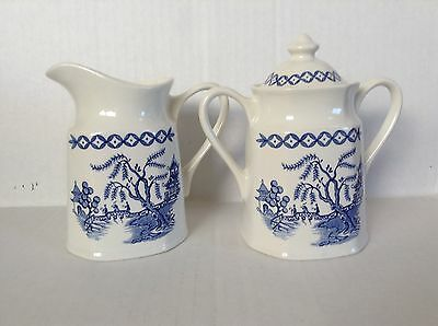 J & G Meakin Liberty Blue Willow ironstone sugar and creamer blue white