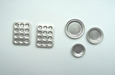 Dolls House Miniatures: Set of Baking Trays  in 12th scale