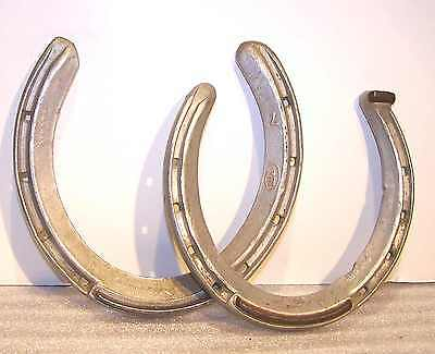 Two Thoroughbred Equine Forgings Light Weight Racing Horse Shoes Steel Cleat