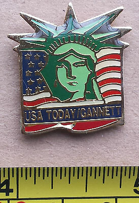 US TODAY / GANNETT - Metal Lapel Pin, Statue of Liberty, US Flag