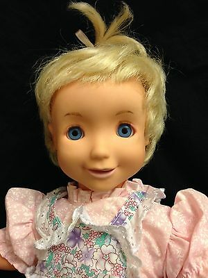 """2003 DSI toys Interactive doll 19"""" Eyes Blink, Mouth Moves And She Talks GUC"""