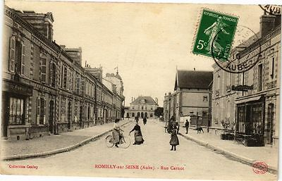 CPA ROMILLY-SUR-SEINE - Rue Carnot (179131)