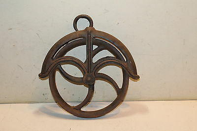 """Antique Well Pulley - 9"""""""