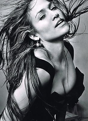 """ANGELINA JOLIE - showing losts - 11"""" x 8"""" MAGAZINE MINI-POSTER / PINUP"""