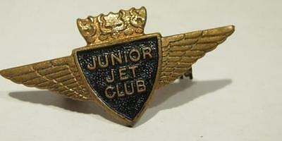 BOAC Junior Jet Club Vintage Lapel Pin Manhattan Products England Gold Wings