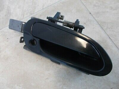Honda Accord EX 4dr RH Front Outer Door Handle Pass Side 00 01 02  Used Black