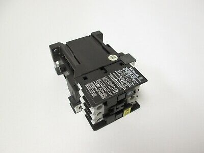 Moeller DIL00M 4G 4-Pole Contactor 24VDC Coil 690VAC 20A Contact DIN Mounting