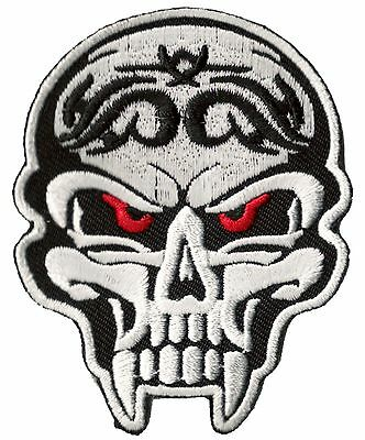 Écusson patche Tête de mort Vampire patch DIY vêtements brodé thermocollant
