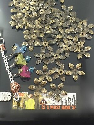 ✿ 50 Small Flower Bead Caps Antique Bronze - For Jewellery Making
