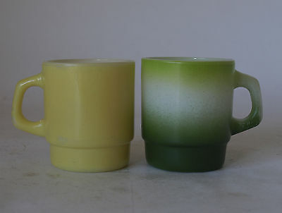Vintage Retro 60s ANCHOR HOCKING FIRE KING Green & Yellow MUGS/CUPS x2 USA