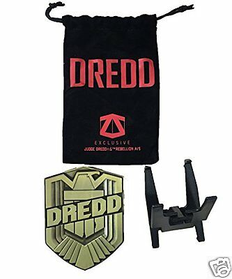 Exclusive Judge Dredd 2000AD Metal Badge Prop Replica - Serve & Protect - NEW