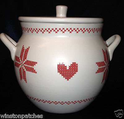 Sagaform Christmas Design By Bjork Forth Mulled Wine Pot Red Hearts On White