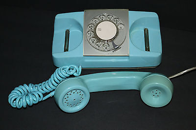 Vintage 1973 Starlite baby blue rotary dial table top telephone WORKS GREAT