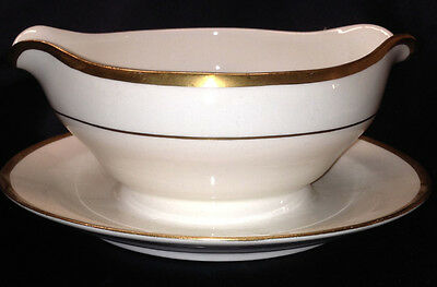 Pope Gosser Pembroke Coin Gold Round Gravy Boat W Attached Underplate All White