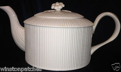 Crown Staffordshire England Leeds Teapot And Lid 40 Oz All White Ribbed