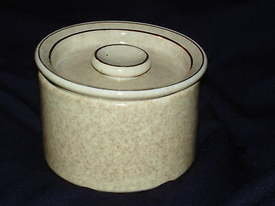 Wisconsin Porcelain Co Tan Speckled Round 16 Oz Canister Gold